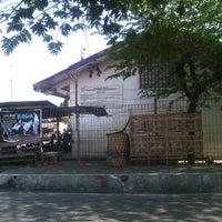 Photo taken at Pasar Burung Muntilan by Shintaray on 8/9/2013