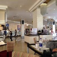 1/5/2014 tarihinde Виктория Ж.ziyaretçi tarafından Rixos Sharm El  Sheikh Zodiac Restaurant'de çekilen fotoğraf
