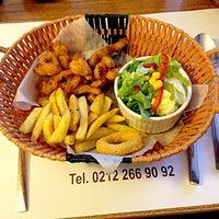 Photo taken at 2Z Kafe Restoran by Naime Y. on 3/14/2014