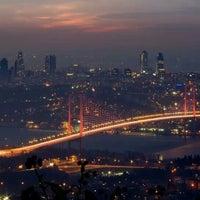 Photo taken at İstanbul bayan kuaförü by Kazım m. on 2/13/2014