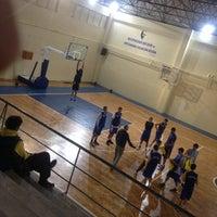 Photo taken at Cavit Özyeğin Spor Salonu by Efe Ö. on 10/28/2014