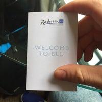 Photo taken at Radisson Blu Edwardian Berkshire Hotel by Edgar I. on 6/10/2016