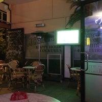 Das Foto wurde bei Cocktailbar Oase von Gonzalo Matias R. am 6/15/2014 aufgenommen