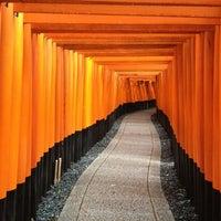 Photo taken at Fushimi Inari Taisha by JIEUN P. on 10/28/2012