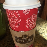 Photo taken at Peet's Coffee & Tea by Vicky W. on 11/7/2016