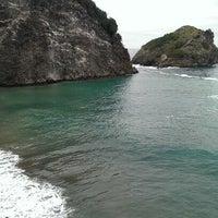 Photo taken at Hoynat Adası by Tanner🎃 on 9/15/2013
