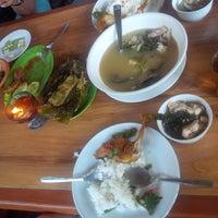 Photo taken at Restoran & Lesehan Alam Sari by Piu N. on 12/15/2013