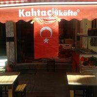 Photo taken at kahta çiğ köfte by Mehmet E. on 6/13/2014