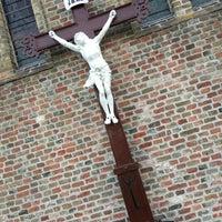 Photo taken at Onze-Lieve-Vrouw Hemelvaart-kerk Zandvoorde by Sam W. on 8/16/2015