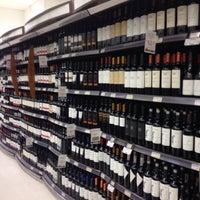 Foto tirada no(a) Supermercado Angeloni por Mariana B. em 6/18/2016