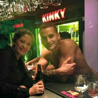 Foto tomada en Kinky Bar por Diana P. el 4/4/2016