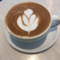 6/16/2017 tarihinde Zeb D.ziyaretçi tarafından Blue Bottle Coffee'de çekilen fotoğraf