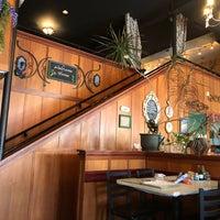 Foto scattata a Sassafras American Eatery da moth il 3/20/2018