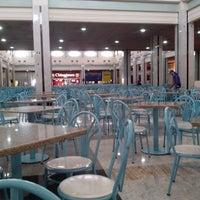 Foto tirada no(a) Praça de Alimentação por Luana B. em 8/12/2013