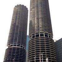 Foto diambil di Chicago's First Lady oleh Adnan C. pada 10/22/2014