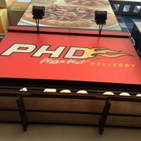 Photo taken at PHD (Pizza Hut Delivery) by Andri R. on 1/14/2014