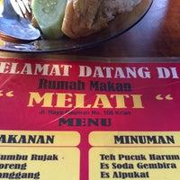 Photo taken at Rumah Makan Melati by Andri R. on 6/25/2014