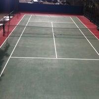 Photo taken at Tenis - Quadra do Robson by Ivan B. on 6/22/2012
