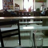 Photo taken at Kantin Raos Linuwih by Meilia G. on 4/3/2012