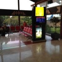 Photo taken at Emerald Sky Lounge by Tri Rachman B. on 5/23/2012