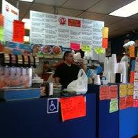Foto tomada en JV's Mexican Food por cat a. el 6/10/2011