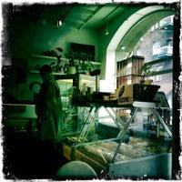 Foto scattata a Paulette da Kari K. il 5/3/2012
