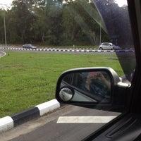 Photo taken at Traffic Light @ Jalan Menteri Besar by Reen H. on 4/30/2012