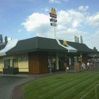 Снимок сделан в McDonald's пользователем Bartosz R. 6/13/2011