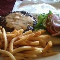 Снимок сделан в Tioli's Crazee Burger пользователем Nate D. 9/3/2011