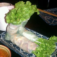Снимок сделан в Green Leaf Vietnamese Restaurant пользователем Aaron J. 12/10/2011