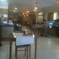 Photo taken at Pasto & Pizzas by Edson F. on 6/29/2011
