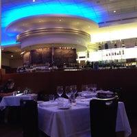 Das Foto wurde bei Oceanaire Seafood Room von Chris J. am 4/12/2012 aufgenommen