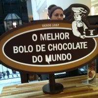 Photo taken at O Melhor Bolo de Chocolate do Mundo by Rodrigo C. on 4/14/2012