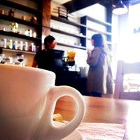 Foto tomada en Coffee Tomo por Denise d. el 11/10/2011