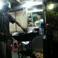 Photo taken at Nasi goreng armem by Esmi E. on 9/19/2011
