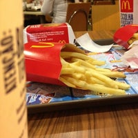 Foto tirada no(a) McDonald's por Jonas em 8/6/2012