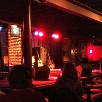 Photo taken at Duck Room at Blueberry Hill by Steve Ole O. on 4/20/2012