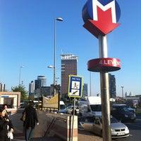 Photo taken at 4. Levent Metro İstasyonu by Onur A. on 5/6/2011