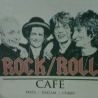 Photo taken at rock & roll cafe by Ikmal F. on 6/12/2012