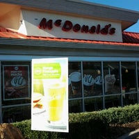 Photo taken at McDonald's by The_Real_Zee on 12/11/2011