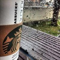 3/3/2012 tarihinde Murat T.ziyaretçi tarafından Starbucks'de çekilen fotoğraf