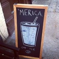 Снимок сделан в Café Grumpy пользователем Alex D. 7/6/2012