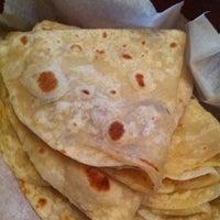 Foto tomada en Paco's Tacos por Chris L. el 7/9/2011