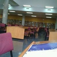 Foto diambil di Biblioteca General oleh Enrique B. pada 4/14/2012