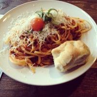 Das Foto wurde bei Pizza Vira von Marcel E. am 2/17/2012 aufgenommen