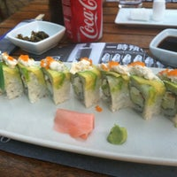 Photo taken at Sushi Itto by MaRiCHeLiX on 5/26/2012