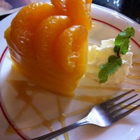 Photo taken at Café de Thaan Aoan by Phanuwat S. on 9/13/2012