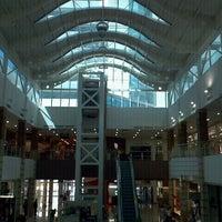 Foto tirada no(a) Shopping Pátio Dom Luis por Ricardo J. em 1/22/2012