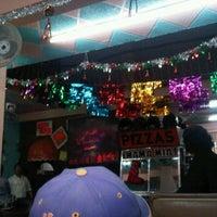 Photo taken at Pizza mama mia by Neko K. on 1/2/2012