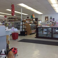 Photo taken at Grammy's Chocolate And Fudge Parlor by Bella B. on 7/27/2012